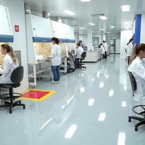 Distribuidores de produtos para laboratório